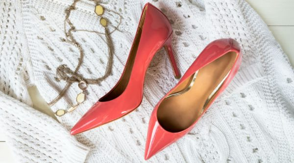 95f36f9b26d0 The Best and Worst Shoes for Women with Petite Feet
