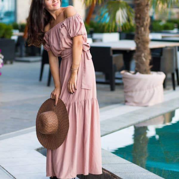 Maxi Dresses for Short Women: 8 Must Know Tips