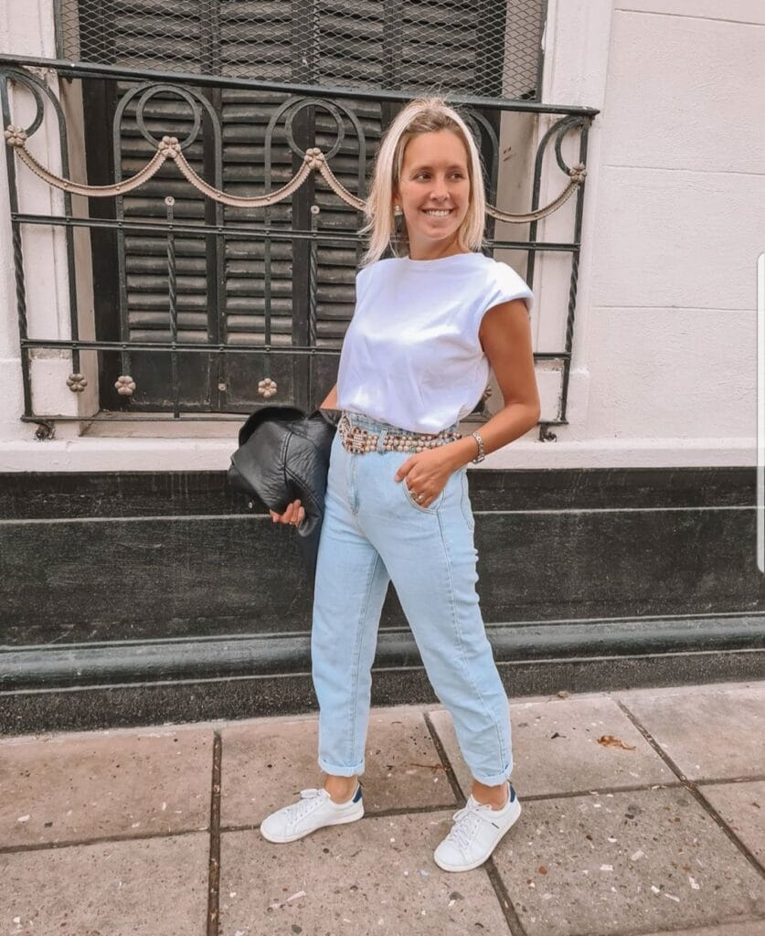 how to wear Mom jeans
