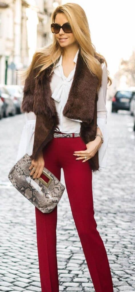 looks wsith burgundy pants