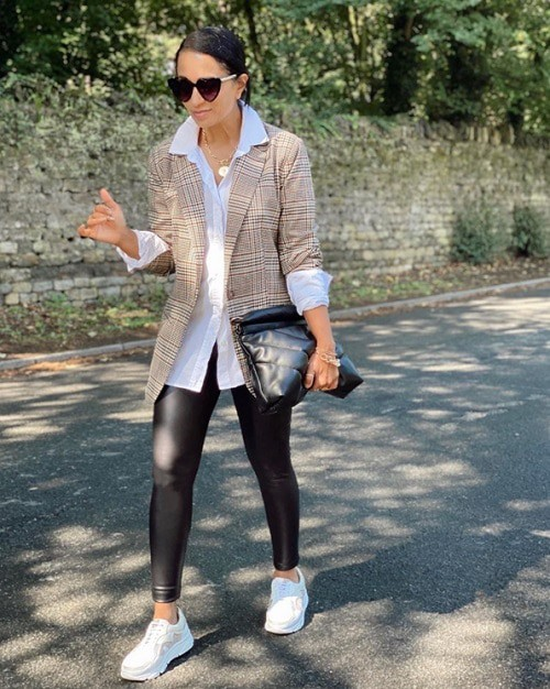 how to choose a blazer for women