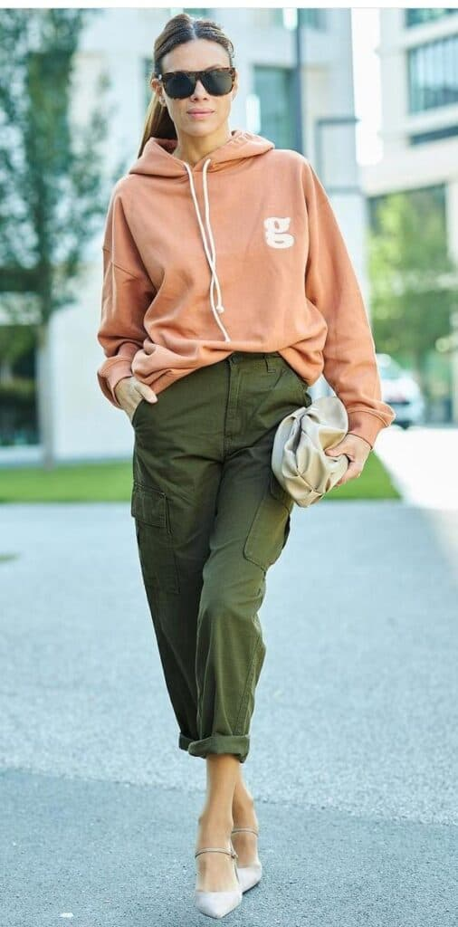 what to wear with cargo pants