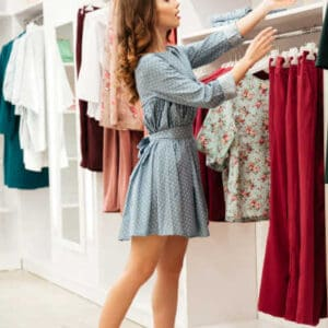 How to Choose Dresses for an Hourglass Figure