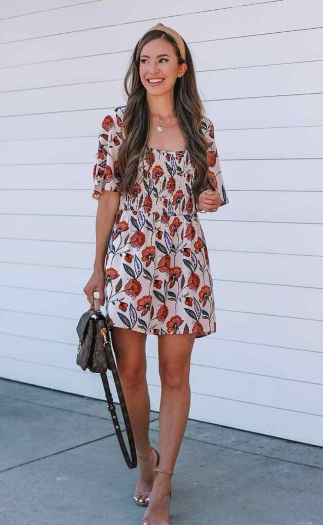 petite fashion bloggers to follow